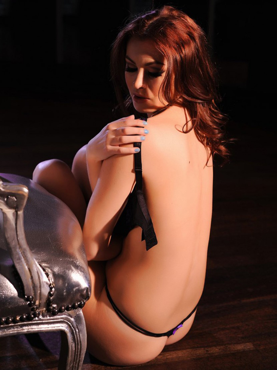 Summer-St.-Claire-Takes-Off-Her-Purple-Lingerie-for-a-Topless-Shoot-02-830x1106