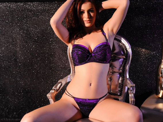Summer-St.-Claire-Takes-Off-Her-Purple-Lingerie-for-a-Topless-Shoot-05-900x675