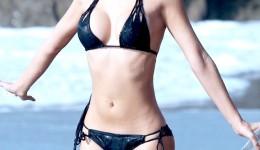 Kennedy-Summers-Wears-A-Bikini-For-138-Water-In-Malibu-02-675×900