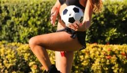 cIaudia-romani-butt-booty-shorts-soccer-ball-0128-02-760×1013